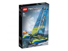 Technic 42105 Catamaran