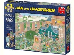 P 2000 St. Jan Van Haasteren The Art Market